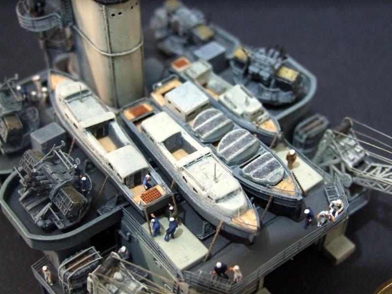 HMS WARSPITE 1942 - Page 8 Dscf3417