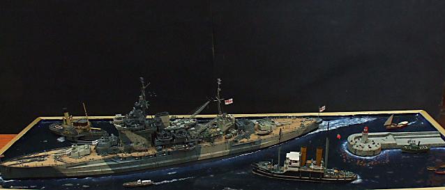 HMS WARSPITE 1942 - Page 9 Dscf3430