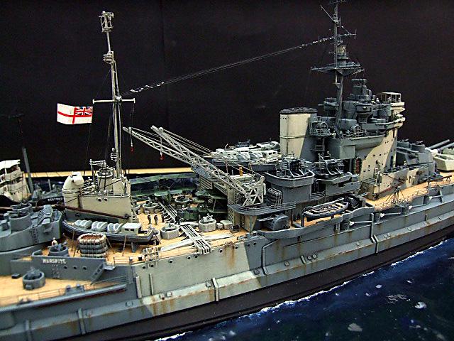 HMS WARSPITE 1942 - Page 9 Dscf3432