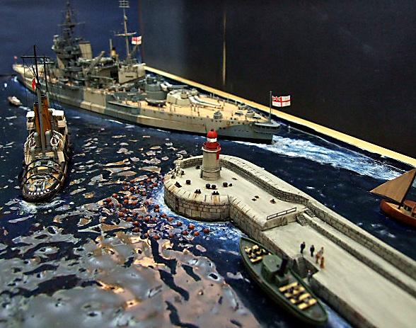HMS WARSPITE 1942 - Page 10 Dscf3437