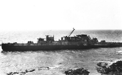 HMS WARSPITE 1942 - Page 10 Hmswar10