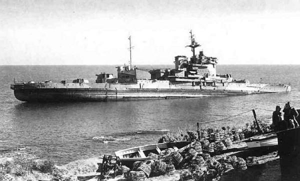 HMS WARSPITE 1942 - Page 10 L10