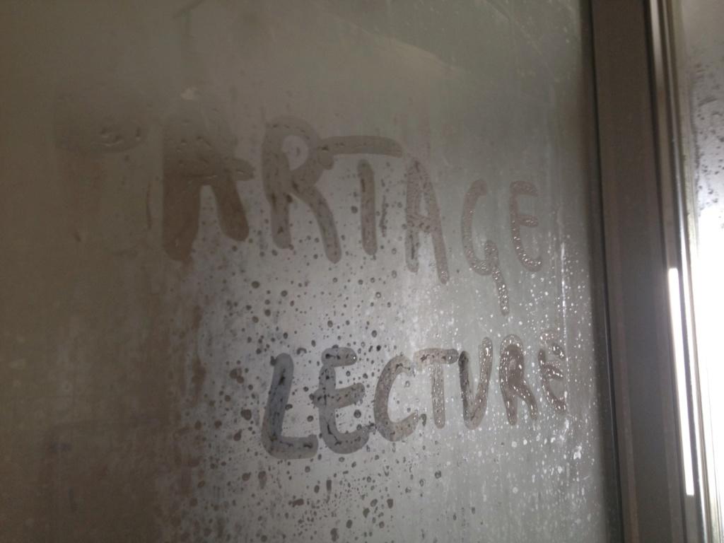 """A vos appareils photos: mettre en scène les mots """"Partage Lecture"""" !!!!!! - Page 4 Pl10"""