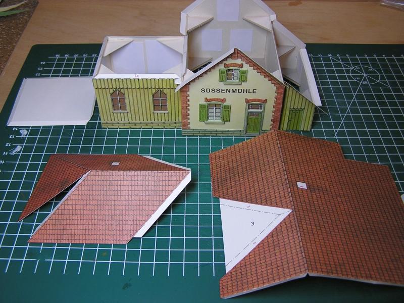 Bedarfshaltestelle Süßenmühle von Schreiber-Bogen in H0 - leicht aufgepeppt 2618
