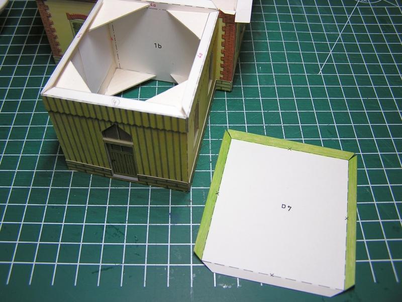 Bedarfshaltestelle Süßenmühle von Schreiber-Bogen in H0 - leicht aufgepeppt 28a10