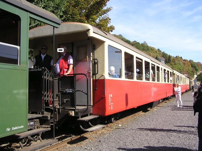 Mit dem Vulkan-Express hoch in die Eifel - die Brohltalbahn  611