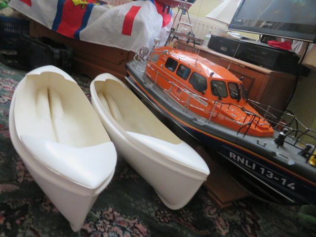 NEW LIFEBOAT BUILDS......on the way. Img_2814