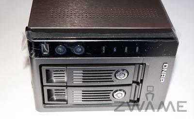 [Unboxing] QNAP TS-219P Dsc_0213