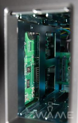 [Unboxing] QNAP TS-219P Dsc_0218