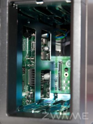 [Unboxing] QNAP TS-219P Dsc_0219