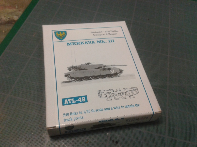 IDF MERKAVA MK.3D EARLY au 1/35 By Meng.....Terminer !!!! et sur son dio.... - Page 2 2013-010