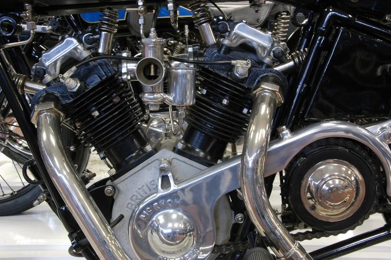les plus beaux moteurs - Page 14 49995610