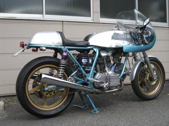 Ducati Twins à Couples Coniques : C'est ICI - Page 7 Ducati19