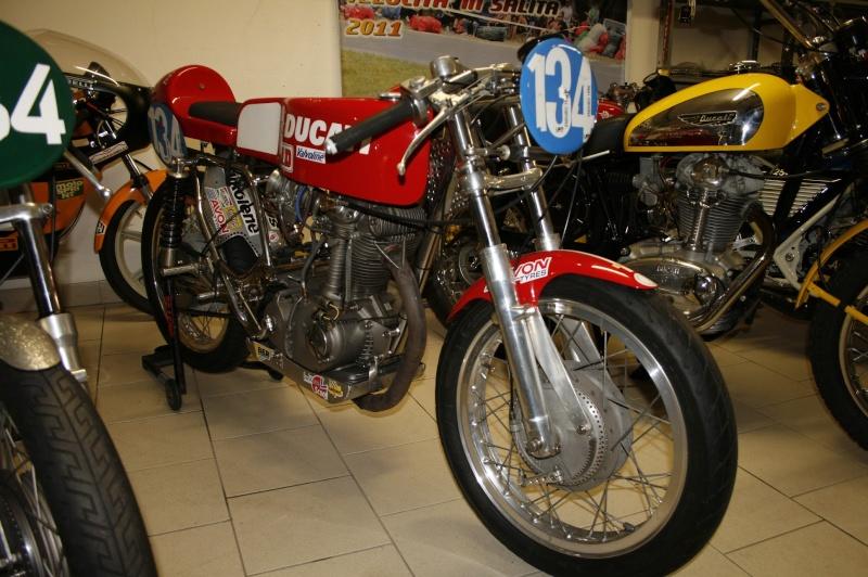 Ici on balance les Monos Ducati - Page 6 Leonci10