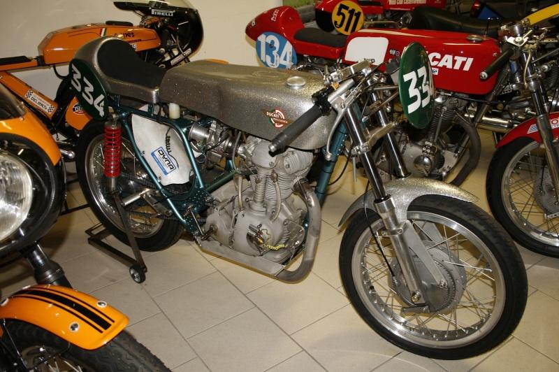 Ici on balance les Monos Ducati - Page 6 Leonci11