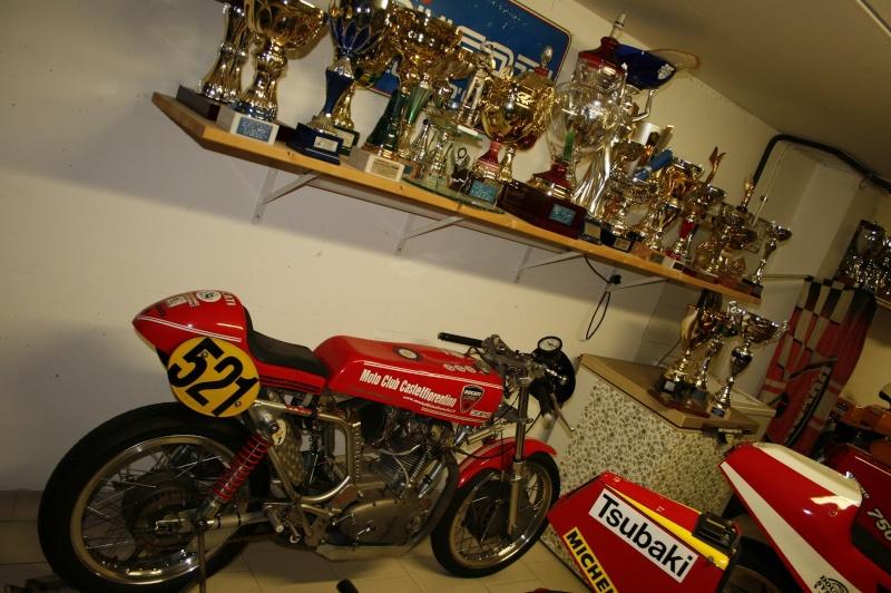 Ici on balance les Monos Ducati - Page 6 Leonci12