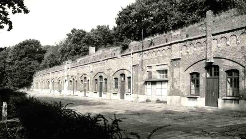 Fort de Merksem - Page 2 Fort_m10
