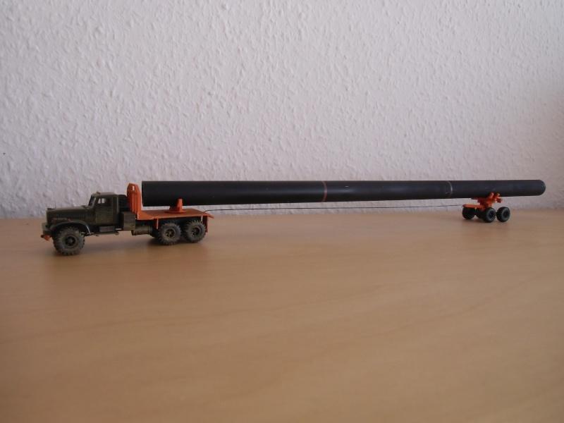 Kraz 255 als Rohrtransprter und als Holztransporter Dsci7714