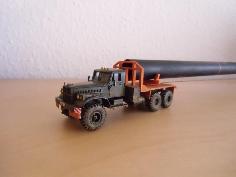 Kraz 255 als Rohrtransprter und als Holztransporter Dsci7717