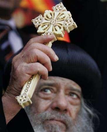 صور جميلة لقداسة البابا  20070710