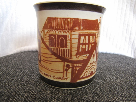 Richmond pottery colonial houses  & Owls patterns Small510