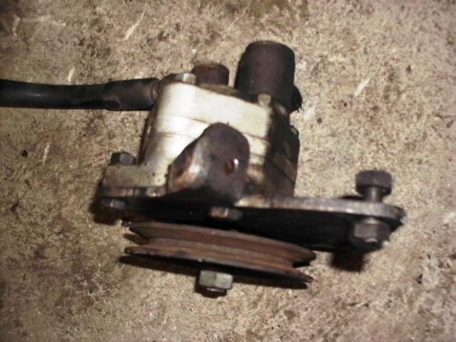 pompe hydraulique 411 Hpim0014