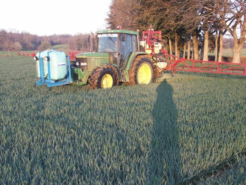 Photos de vos tracteurs - Page 3 100_1510