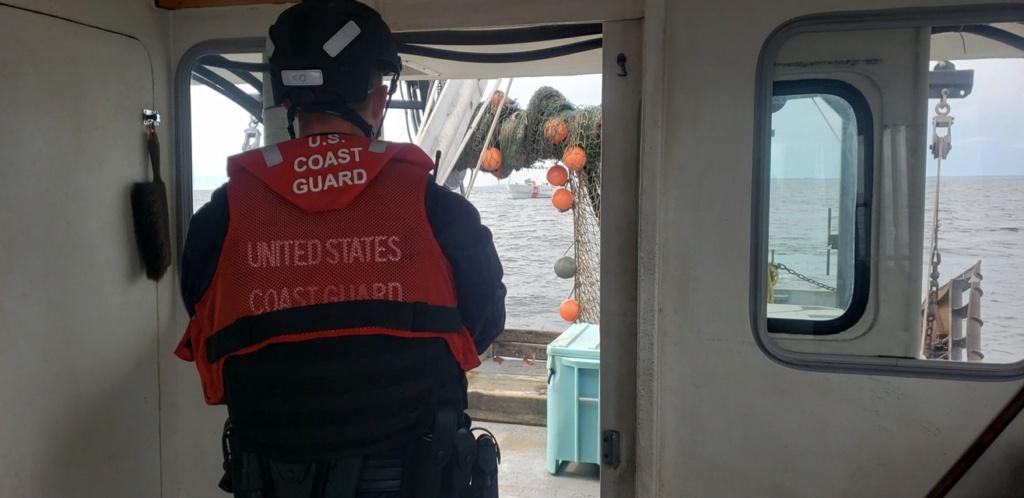 U. S. Coast Guard (garde-côtes des États-Unis) - Page 7 10247