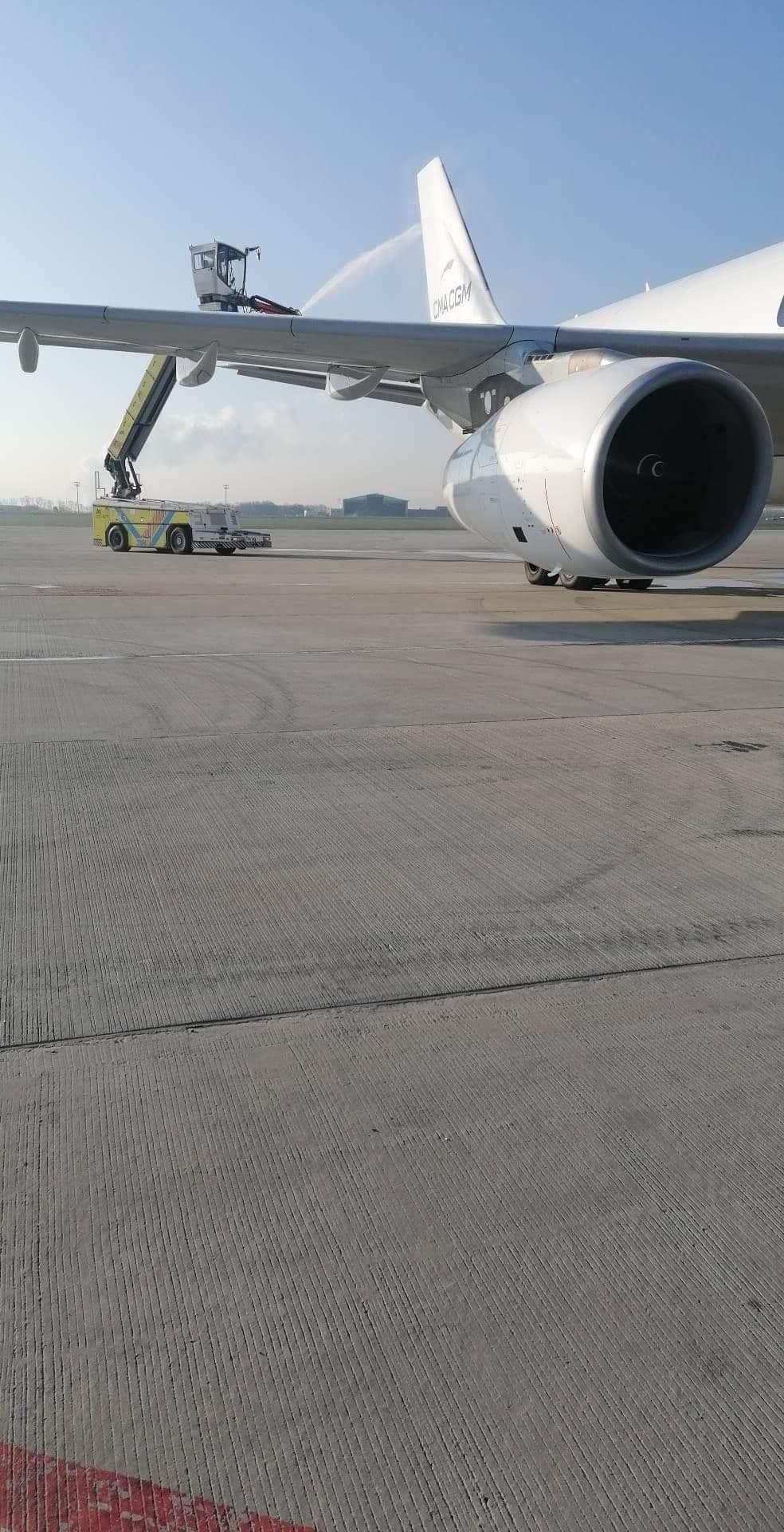 fueliste à l'aéroport  - Page 2 1034
