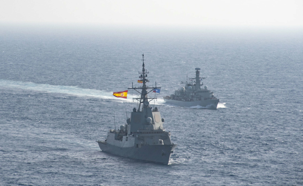 Tag strongertogether sur www.belgian-navy.be 11020