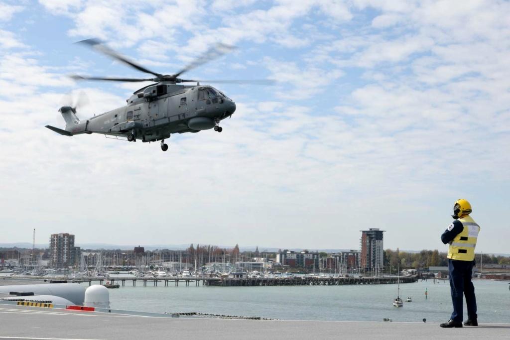 Royal Navy : les news - Page 9 12102