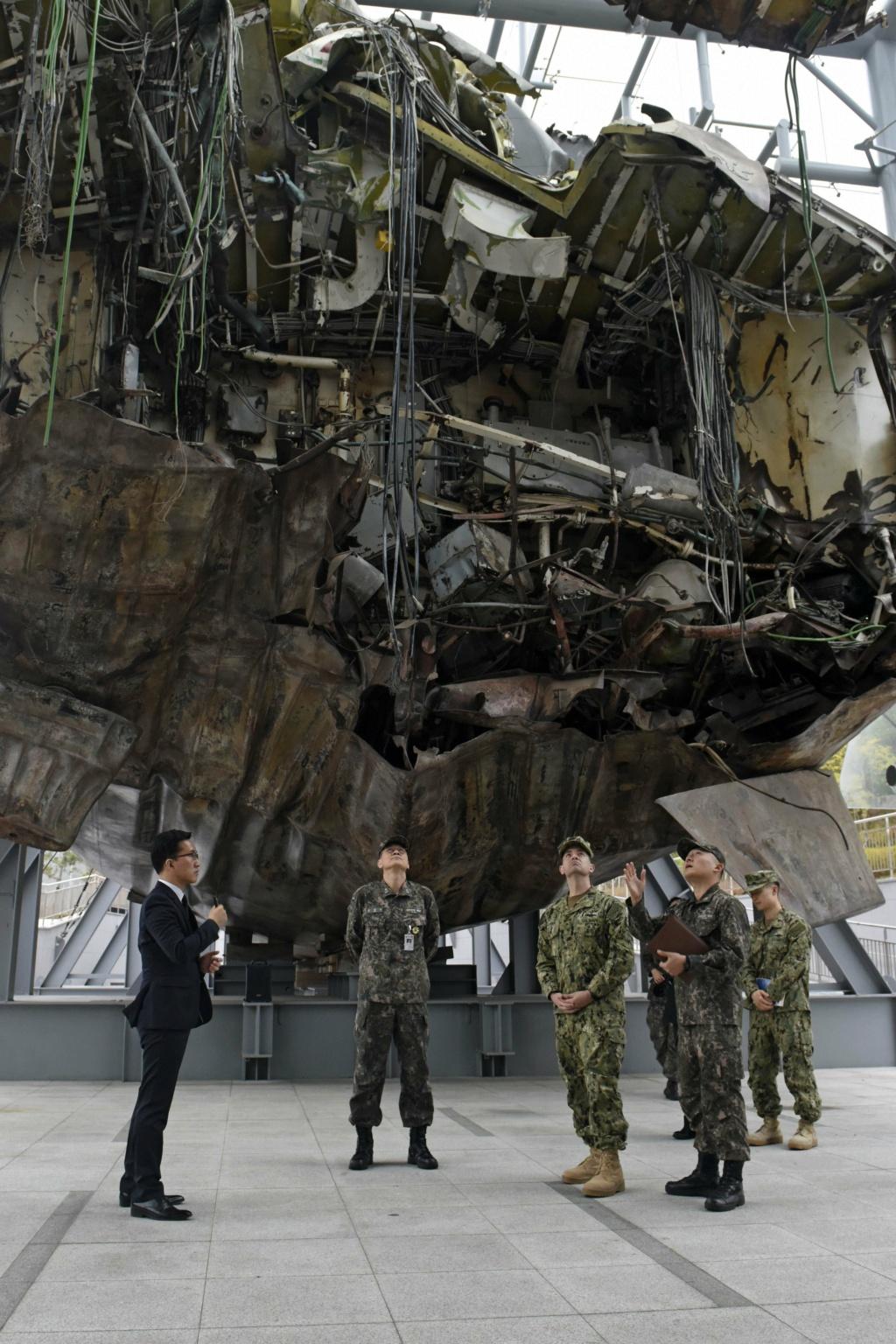 Republic of Korea Navy - Marine de la Corée du Sud - Page 5 12112