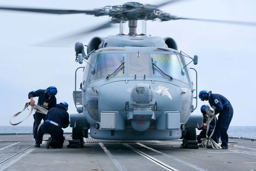 Tag strongertogether sur www.belgian-navy.be 12199
