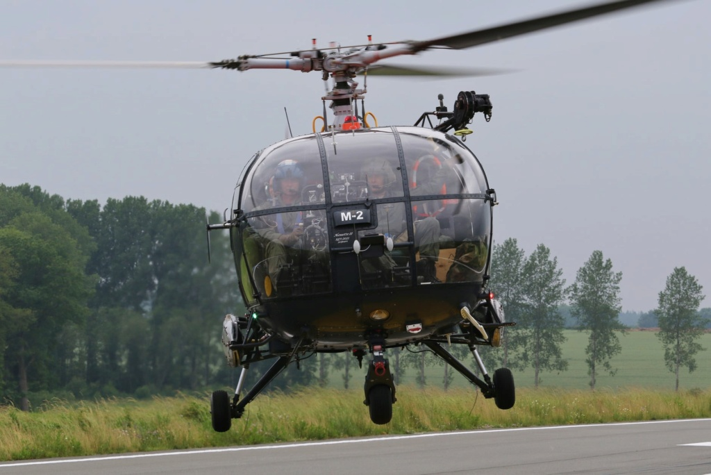 Alouette III - Page 10 12235