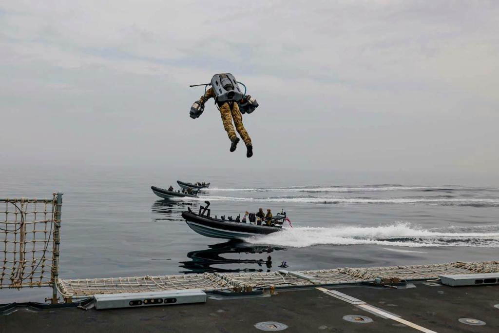 Royal Navy : les news - Page 12 12a10