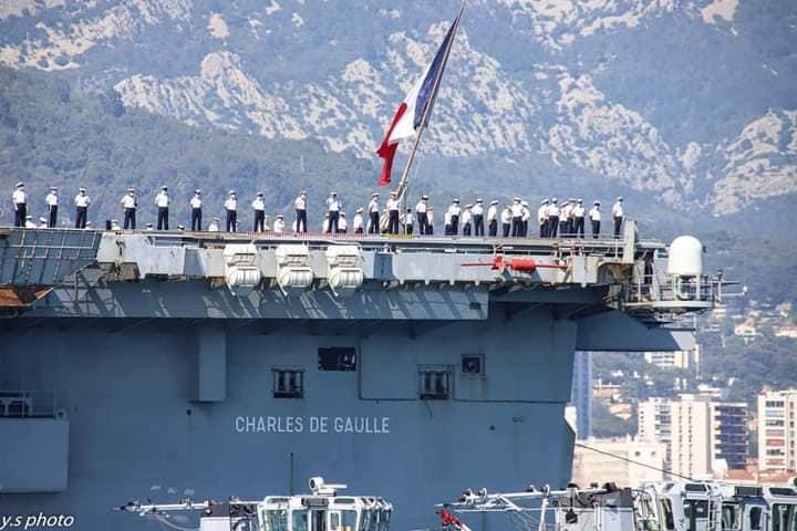 Porte-avions R91 Charles de Gaulle - Page 18 14146