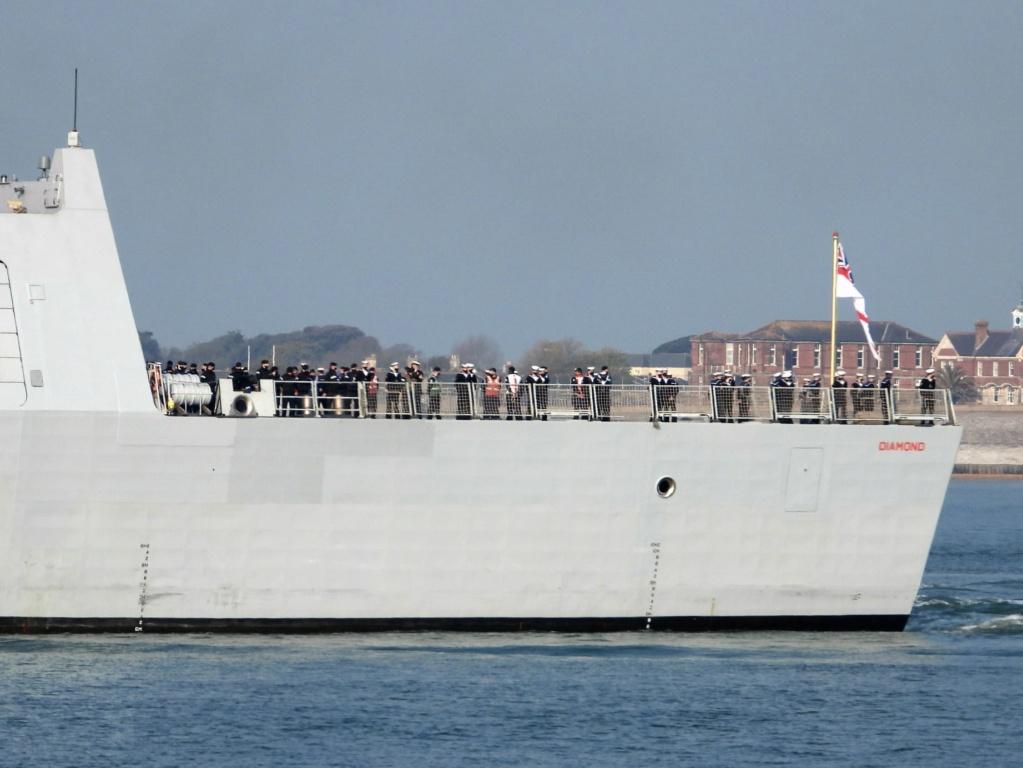 Royal Navy : les news - Page 10 1452