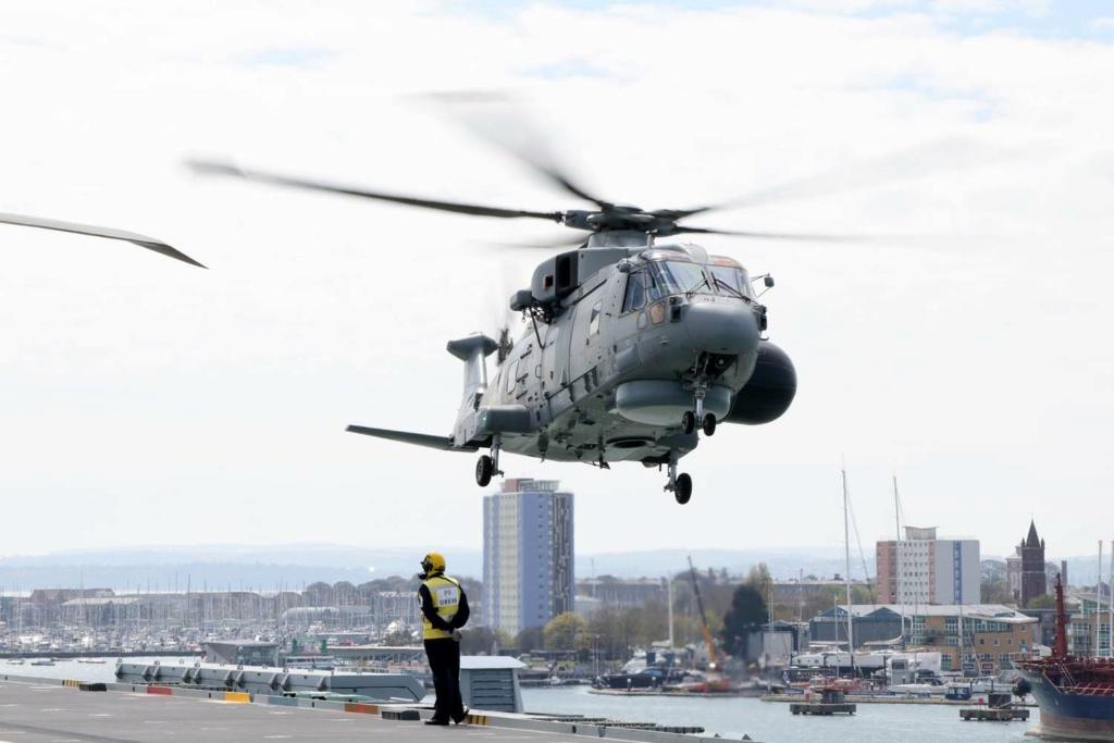 Royal Navy : les news - Page 10 1633