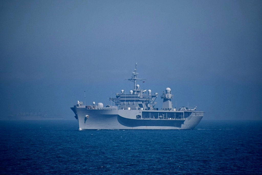 Tag strongertogether sur www.belgian-navy.be 18109