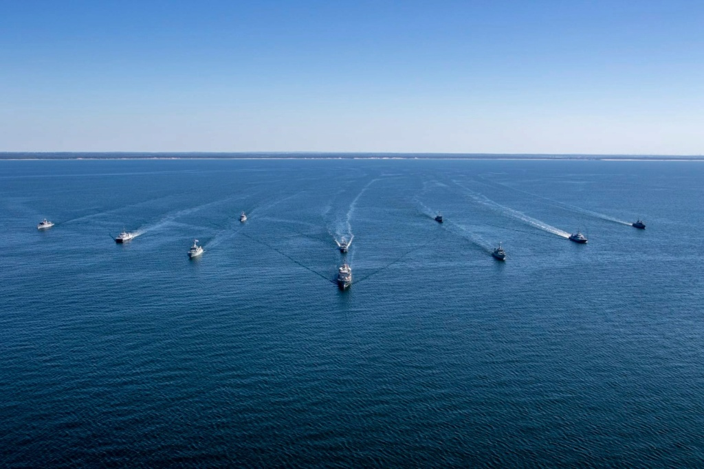 Tag strongertogether sur www.belgian-navy.be 1986