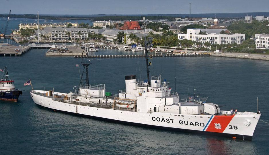 U. S. Coast Guard (garde-côtes des États-Unis) - Page 4 2070