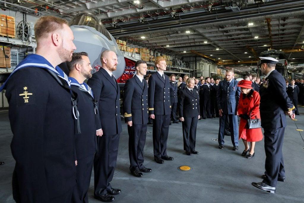 Royal Navy : les news - Page 13 2082