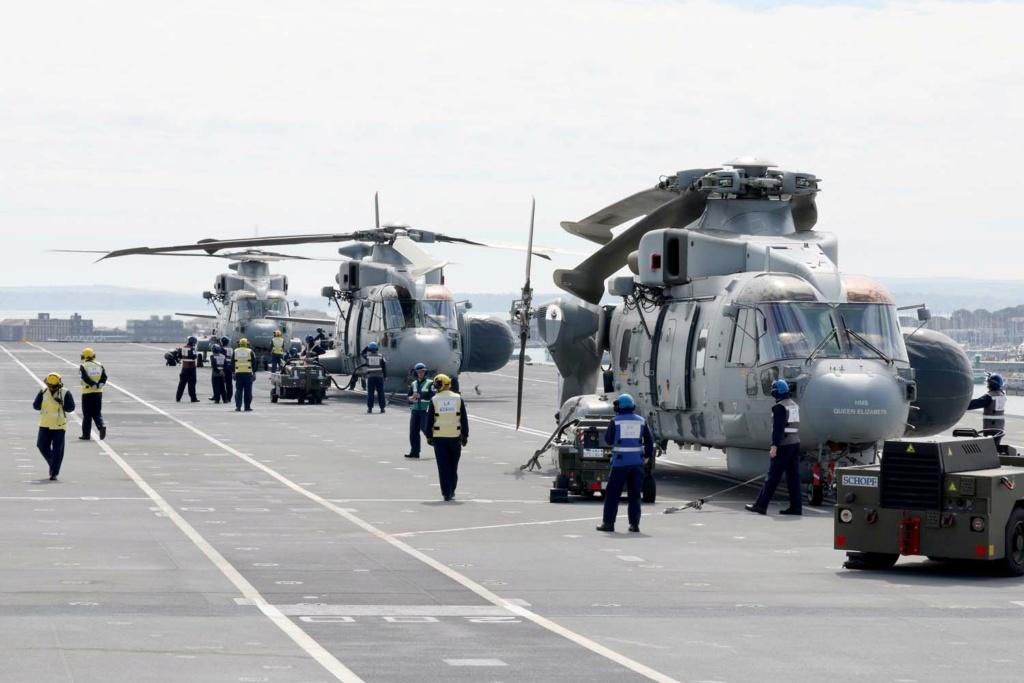 Royal Navy : les news - Page 10 21104