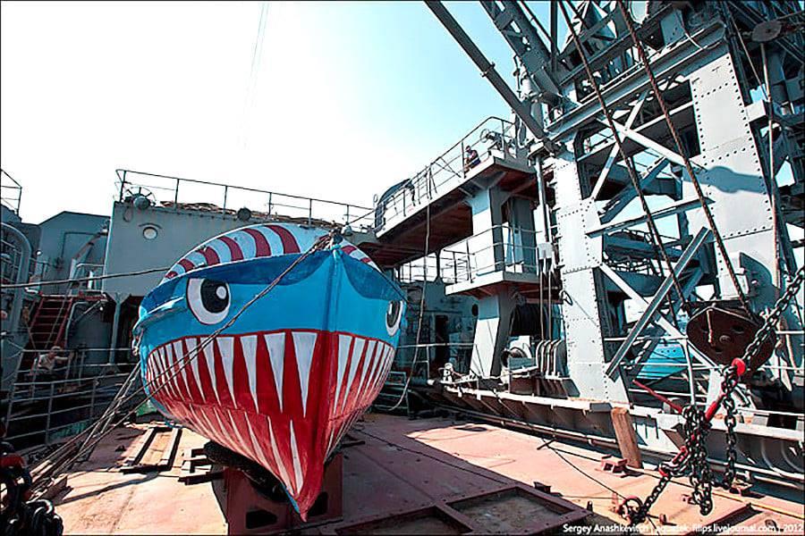 les plus vieux navires de guerre toujours en activités 21133