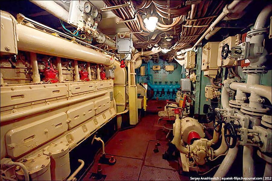 les plus vieux navires de guerre toujours en activités 23107
