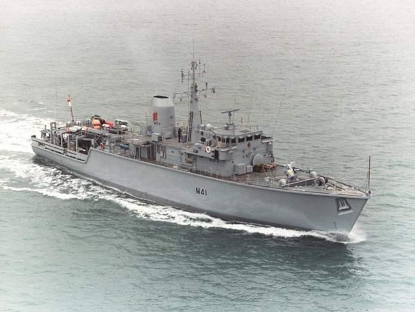 Tag navy sur www.belgian-navy.be 2365