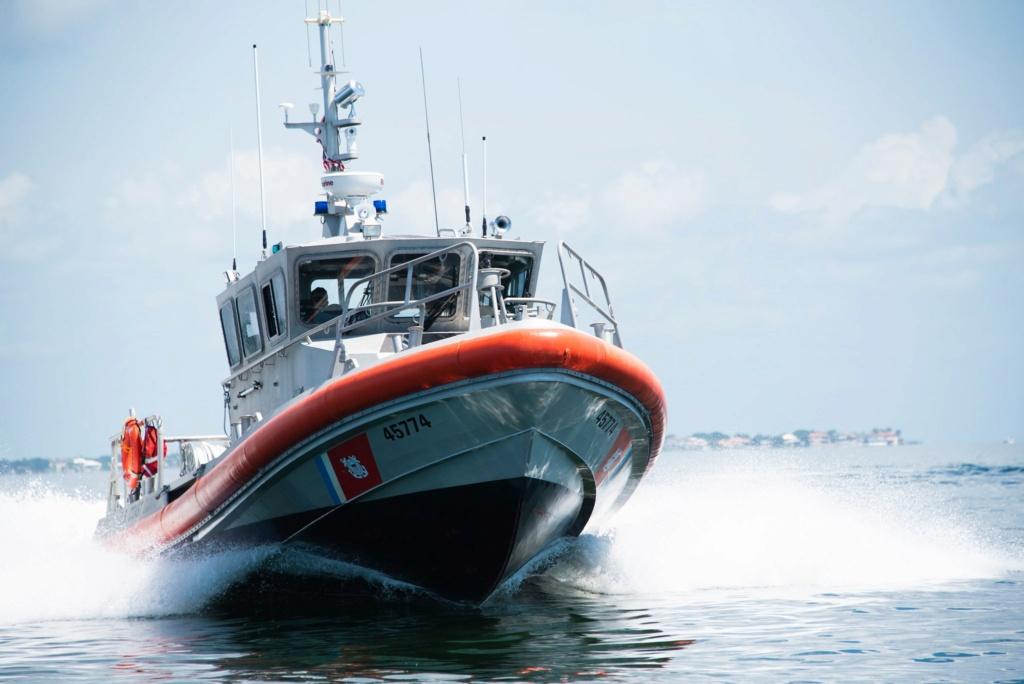 U. S. Coast Guard (garde-côtes des États-Unis) - Page 4 2449