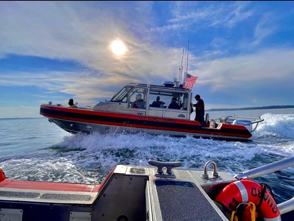 U. S. Coast Guard (garde-côtes des États-Unis) - Page 6 2653