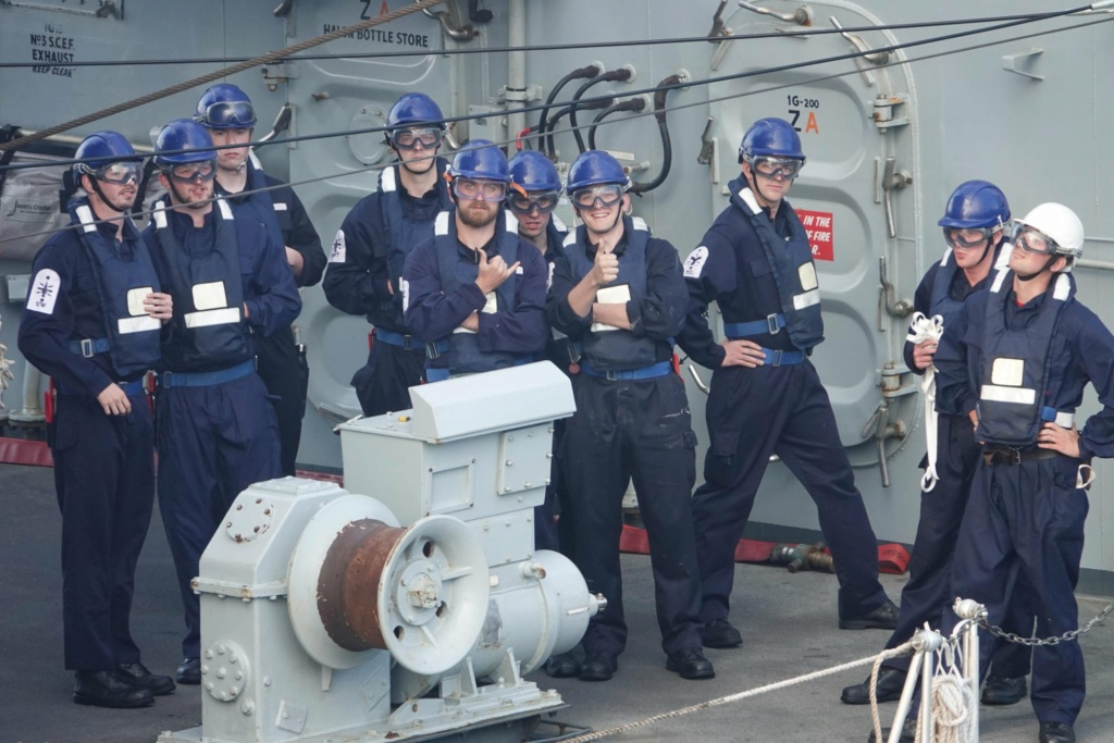 Tag strongertogether sur www.belgian-navy.be 2675