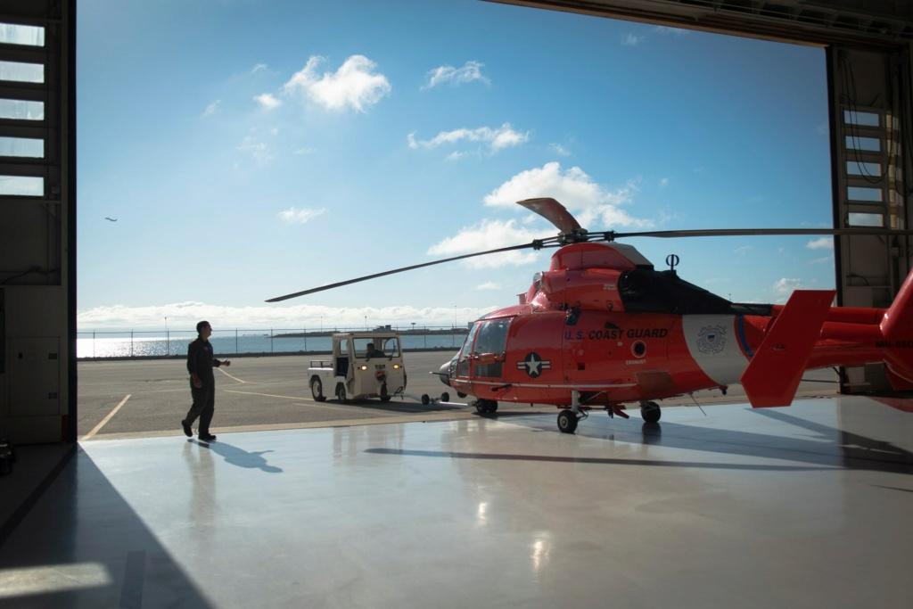 U. S. Coast Guard (garde-côtes des États-Unis) - Page 7 2700